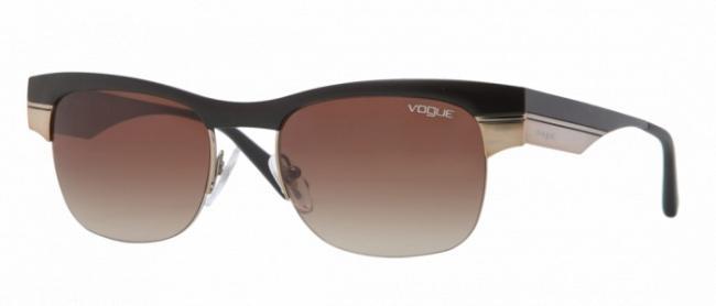 Vogue Sonnenbrille 3828S 917/13 Gr.51 in der Farbe matt schwarz, Glas braun gradient